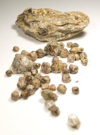 garnets: raw czech garnets stones