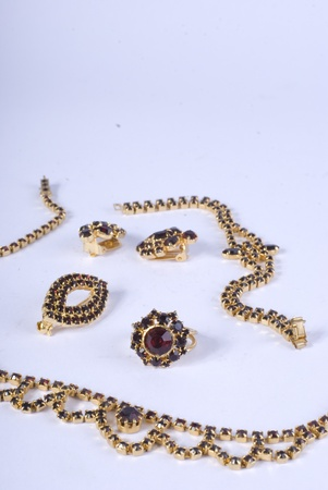 granate: joyas de granate antiguo