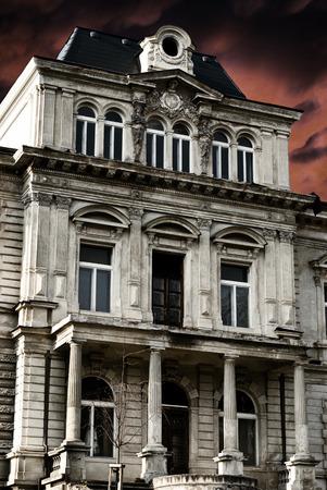 abandoned house: haunted house Stock Photo