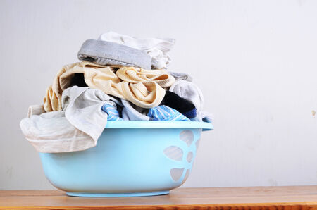 washing clothes: dirty clothes