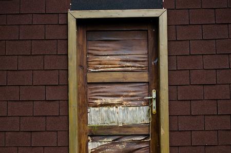 doorhandle: old door