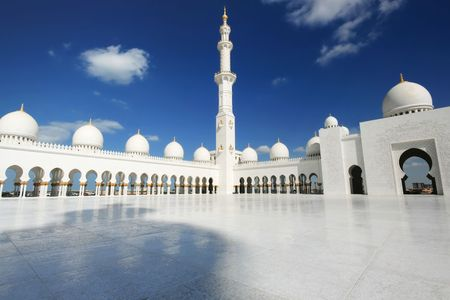 white mosque in Abu Dhabi against cloudy blue sky Stock Photo - 4786052