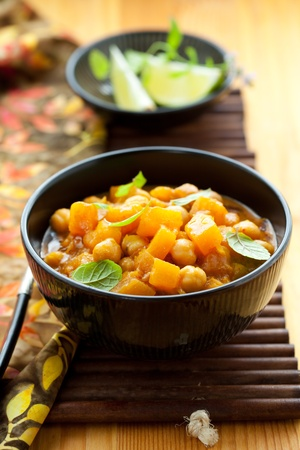 garbanzos: Calabaza al curry con garbanzos Foto de archivo