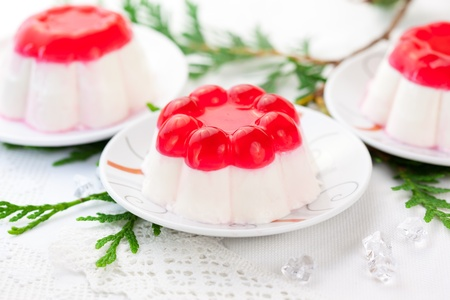blancmange: Panna cotta with fruit jelly for Christmas