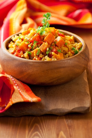 butternut: Bulgur  with tomatoes and  butternut squash