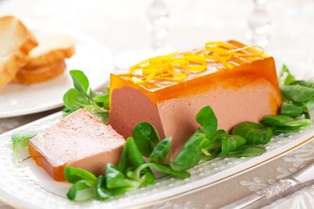 higado de pollo: Pollo con paté de hígado de gelatina de naranja para las vacaciones