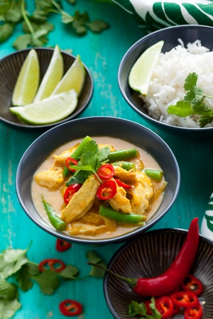 thai pepper: Chicken curry with green beans  and rice