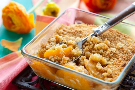 to crumble: Delicious peach crumble