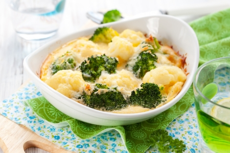 casserole dish: broccoli and cauliflower gratin with cheese Stock Photo