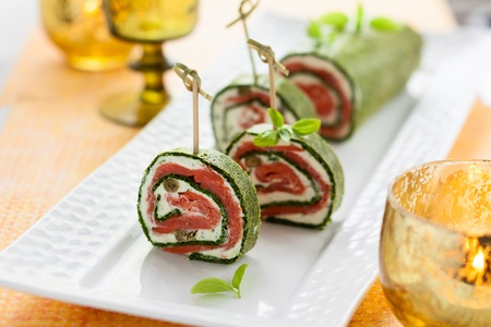 cottage cheese: Spinach and Basil Smoked Salmon Roll