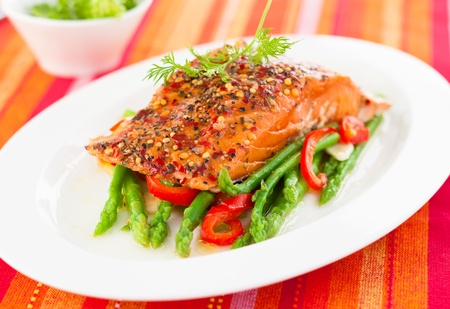 Salmon fillet with asparagus and red bell pepper Stock Photo - 18623134