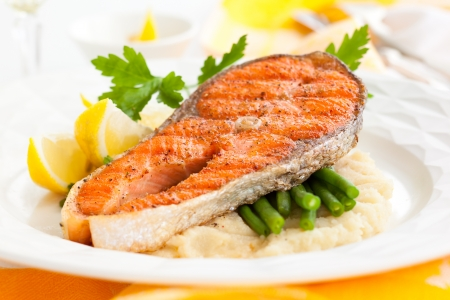 grilled fish: Salmon with celeriac puree and green bean