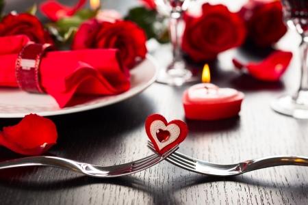 diner romantique: R�glage de la place de f�te pour la Saint Valentin