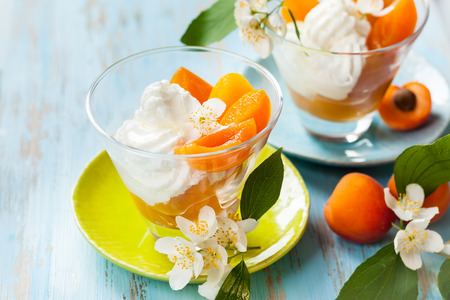 Peach flower: Dessert with yogurt,honey and apricot compote