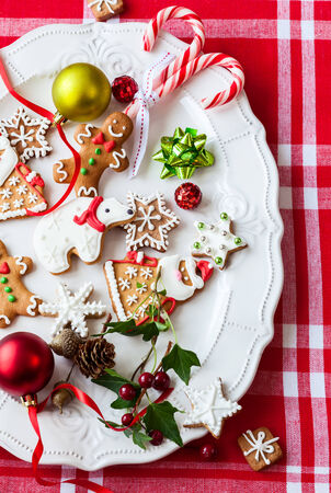 bear berry: Homemade gingerbread cookies  and candies on a plate