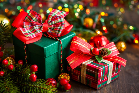 Christmas gift boxes with decorations Stockfoto
