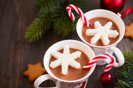 cioccolato natale: Cioccolata calda con marshmallow fiocchi di neve