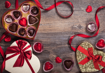 shape heart: Gift boxes of gourmet chocolates for Valentine