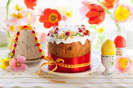 paskha: Festive Easter cake with the candied fruits