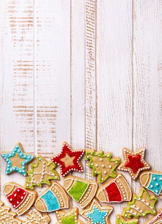 木製の背景にクリスマス クッキー