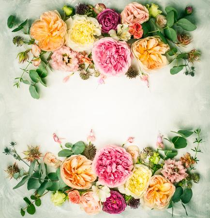 Composición floral festiva. Lily ver más Foto de archivo - 77279839