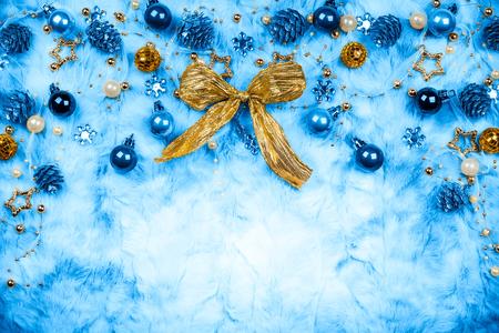 Fondo de la Navidad de la vendimia con las decoraciones Foto de archivo - 85438117