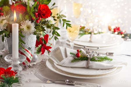 Christmas or New Year festive table settingt. 免版税图像