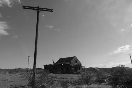 route 66: Route 66, abandoned house