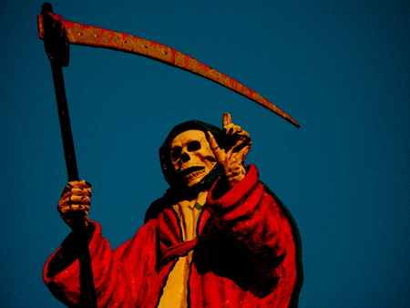 guadaña: La muerte con una guadaña, parque de atracciones Foto de archivo