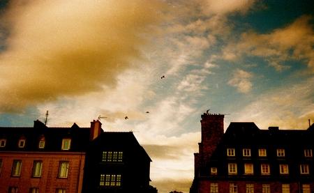 Camere al tramonto con i gabbiani nel cielo Archivio Fotografico - 92615512