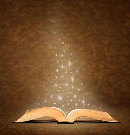 biblia abierta: Abra el libro viejo. tiene una imagen gr�fica de estrella en la parte superior del libro