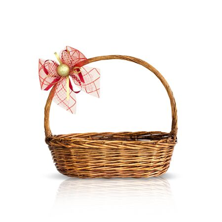 giftbasket: Bamboe mand geà ¯ soleerd Stockfoto