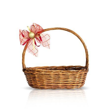 košík: Bamboo košík izolované Reklamní fotografie