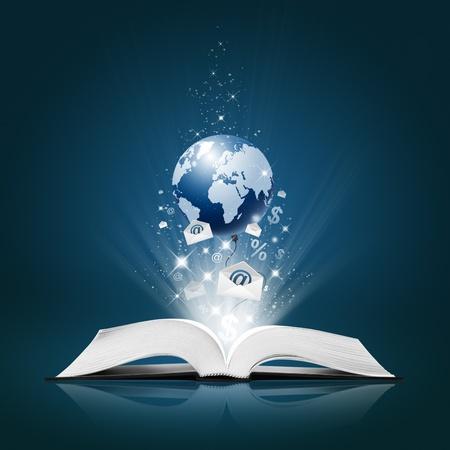 onderwijs: Aarde en Envelope E-Mail, Business collectie open boek Stockfoto