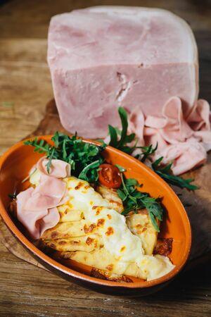 jamon y queso: panqueques rellenos con queso y verduras jam�n