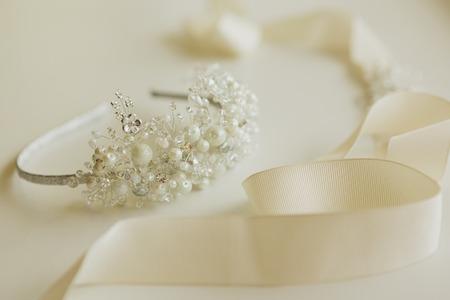 anillo de boda: La composici�n de los accesorios de la boda hermosa novia