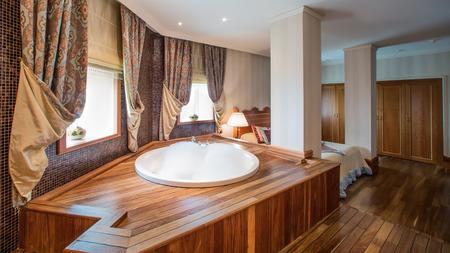 piastrelle bagno: lussuoso bagno interno completo di granito e bellissimi pavimenti in cotto e pareti.