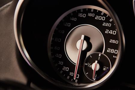高級車のインテリアの詳細。浅い被写し界深度
