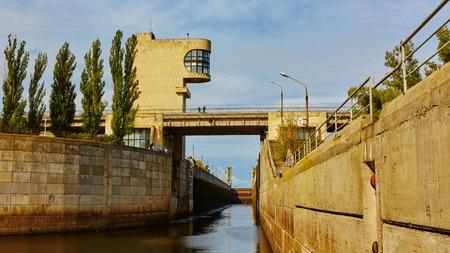 sluice: One of the locks on the navigable river Dnepr in Ukraine