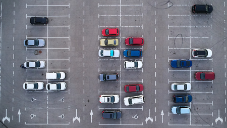Car parking lot viewed from above, Aerial view. Top view 免版税图像 - 110843998