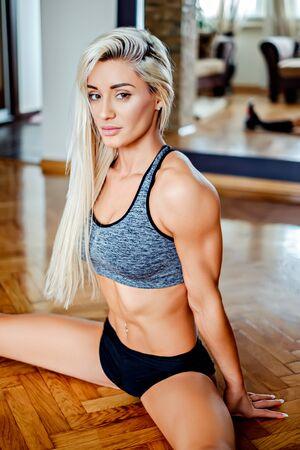 sexy girl dance: Beautiful girl resting in split position on the floor