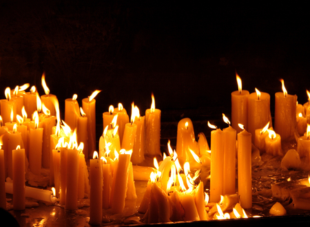 Many burning candles with shallow depth of field Stock Photo - 121562971