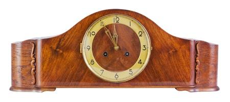 reloj de pendulo: Antiguo reloj de p�ndulo antiguo sobre un fondo blanco