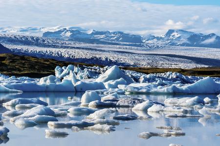 Landscape of Vatnajokull glassier viewed from Fjallsarlon Glacier Lake in Southern Iceland, Vatnajokull National Park. 写真素材