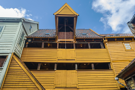 Wooden building in the center of Bryggen, an example of  Hanseatic commercial buildings of the historical quartier in Bergen, Norway. 写真素材 - 125486071