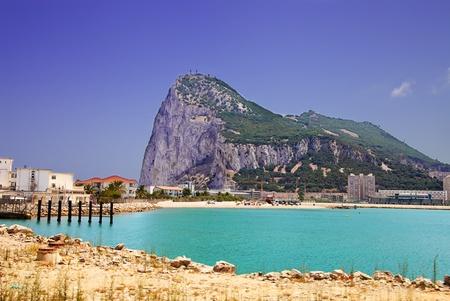Gibraltar mit Blick auf Strand und Hafen