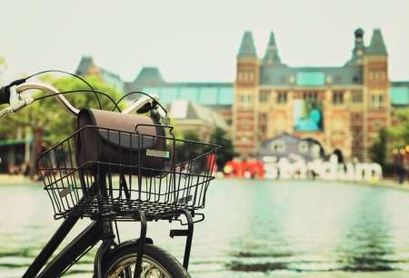 amsterdam canal: Bicycle with I Amsterdam sign, at rijksmuseum Stock Photo