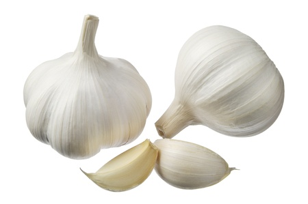 fresh garlic: Garlic isolated on a white background