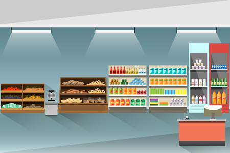 mujer en el supermercado: Supermarket interior. Stands and shelves with products.