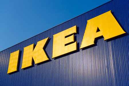 BANGKOK, THAILAND - MAART 2: Teken IKEA bij IKEA Bangna Store in Bangkok, Thailand. De Zweedse IKEA is de wereld